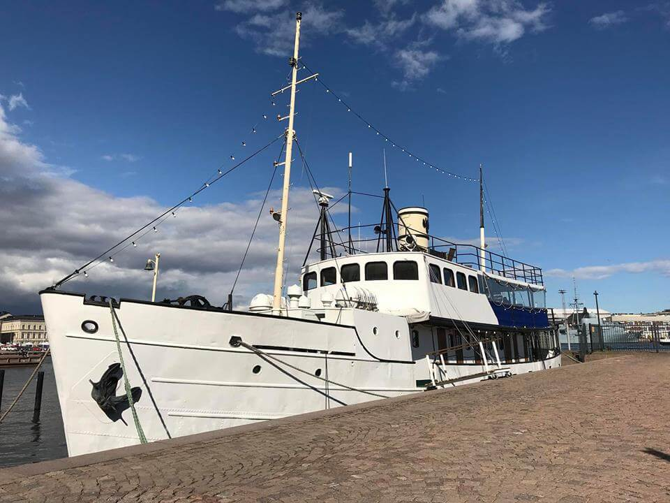 Nikolai II has it all and is located in the hot spot of Helsinki. Welcome to Private Offshore Adventure to Helsinki.
